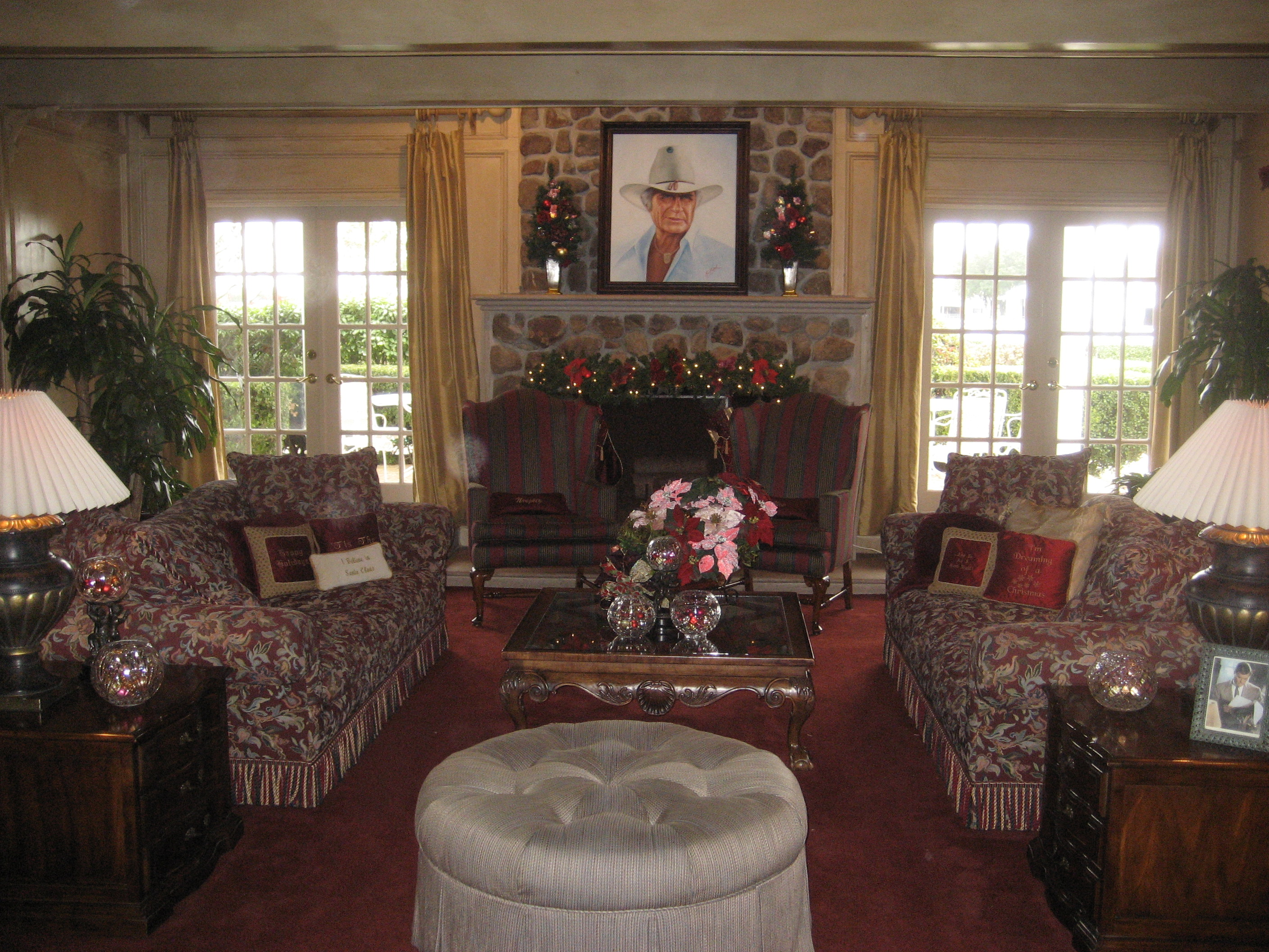 Minnie Mouse Bedroom Decorations Inside Southfork Part 3 Not So Nerdy Trip Nerd Trips