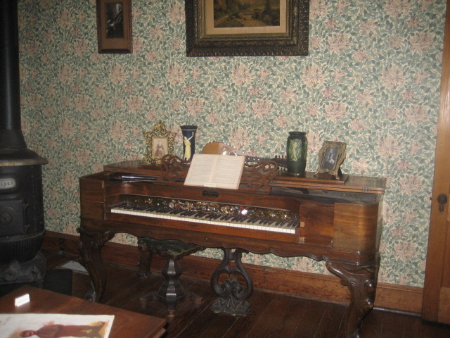 Piano in the O. Henry museum