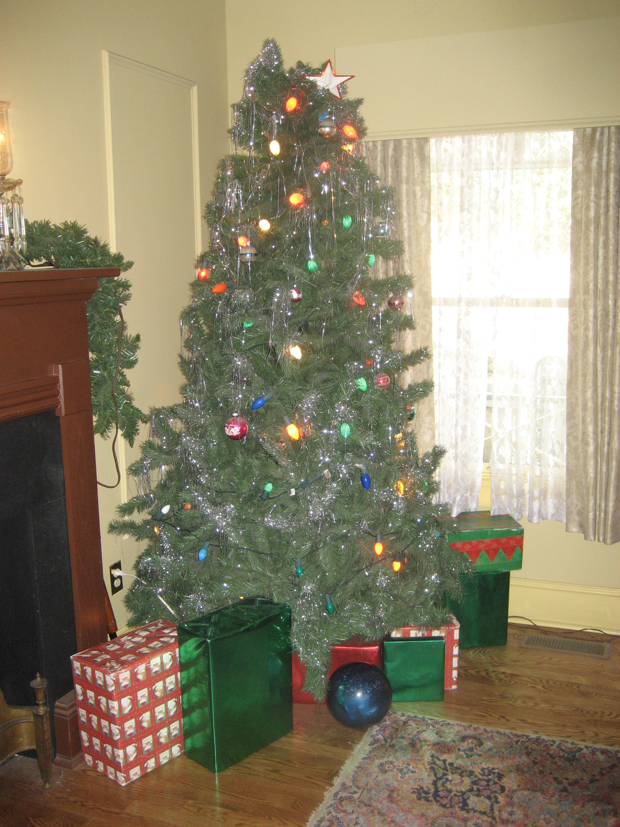 The Parkers' Christmas tree, complete with bowling ball and BB gun tucked in the corner