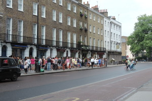 You don't need to be a detective to see that it's going to be a long wait to get into the Sherlock Holmes museum in London