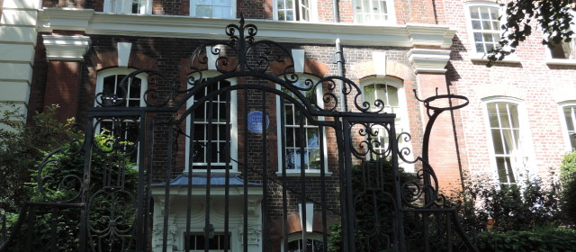 London: Chelsea and the Blue Plaque Pursuit