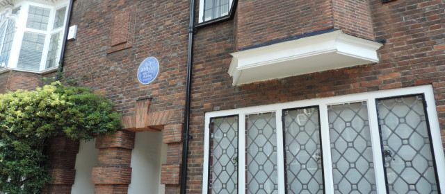 London: Chelsea Bonus Plaque – Milne and Pooh