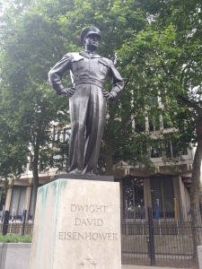 Eisenhower statue out front of the U.S. embassy in London (July 2014)