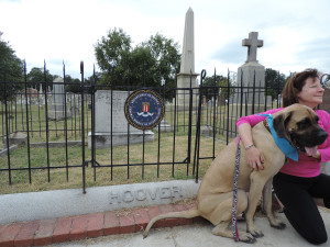 Wider view of Hoover grave. There were people and pets everywhere.