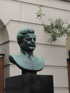 John F. Kennedy bust in London
